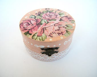 Wooden Decoupage Box with roses,Shabby chic Box, Romantic Box, Jewelry Box, Handmade Decoration,wedding gift, valentine gift for her, OOAK