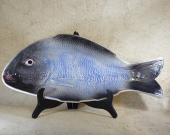 NOW ON SALE 20% Off!!!! Really Cool Fish Platter With Built-In Feet-Very Life Like!