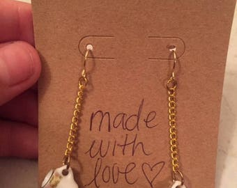 Gold vintage flower mugs earrings