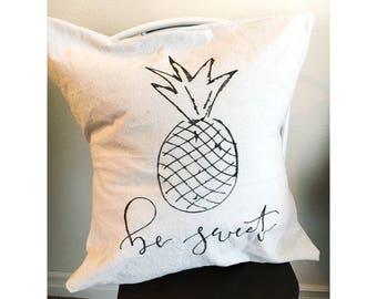 20x20 decor pillow//Be sweet decor pillow//pineapple decor pillow//decor pillow