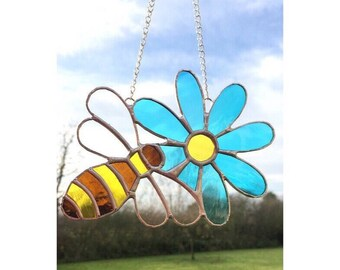 Stained glass Bee on Flower Sun- catcher Gift Decorations
