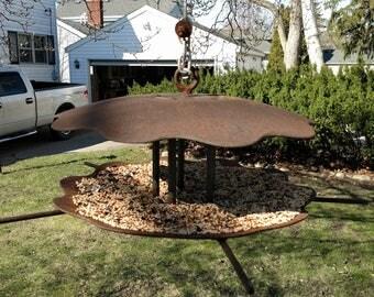 Plow disc bird feeder