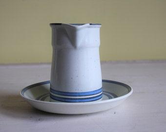 Gustavsberg, Stig Lindberg, set of milk jug and saucer, light blue, gray, DART, Swedish design, Scandinavian, VDN, Sweden, modern vintage