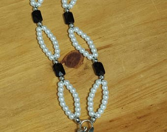 Black and White Pearlescent Pendant Necklace