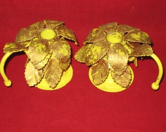 Yellow Metal Candle Holders/Vintage Shabby Chic Yellow Gold Leaf Candle Holders/Vintage Yellow Gold Taper Candle Holders/Candlestick Holders