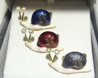 Brooch, Pin, Gemstone Brooch, Gemstone Pin, Snail Pin, Snail Brooch with Natural Pearl, Gemstone Handmade Jewelry