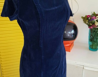 original vintage - true vintage - 1960s - cobalt blue velvet - velvet dress - wiggle dress - fitted dress - beaded collar - beaded detail