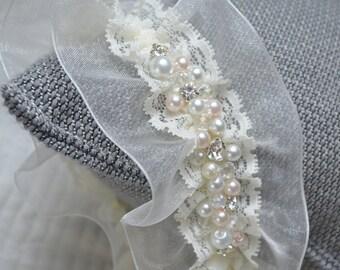 Lace Wedding Garter, Bridal Garter, Wedding Garter, Pearl Wedding Garter, Vintage Garter, Ivory Garter, Rhinestone Garter, Organza Garter