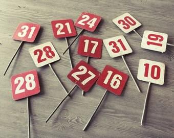 Number Signs, Vintage Metal Signs, Vintage Street Signs,Metal Number Signs,Colored Sign,Metal Vintage Highway Signs,Garden Signs,Rusty Metal