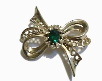 Rhinestone Brooch, Emerald Pin, , Gold Tone,  Mid Century Jewelry , 1940s-1950s, Bow Ribbon