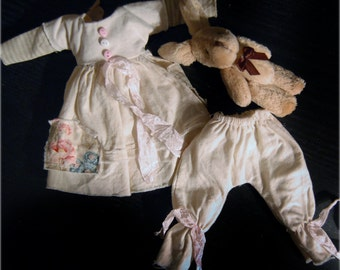 Ppinky's Blythe,Ppinkydolls,Azone body, 3 pieces,vintage set,dress with silk details and a cotton vintage pant with a bunny friend