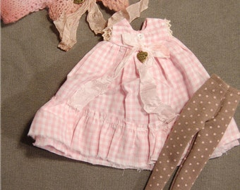 Ppinky's Blythe,Ppinkydolls,Azone body, 3 pieces,vintage set,dress(checker) with silk details handknit-handpaint  jacket and cotton socks