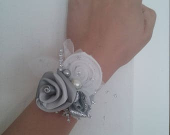 Silver and White Wristband, Fancy Wristband, Prom or Quinceañera wristband