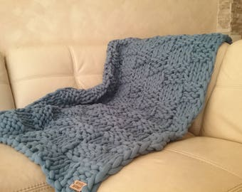 Chunky knit Blanket.  Cotton Wow Blanket. Bulky Blanket. Extreme Knitting by woolWow! Jens color.