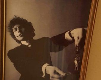 """Iconic Photo of Bob Dylan burning his car keys Framed 8"""" x 10"""""""