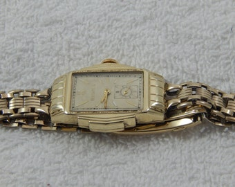 Vintage Bulova Ladies Wrist Watch 1930's Art Deco Case