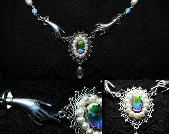 Fortune teller necklace with real pearls and glass gem