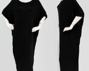 Elegant Long Maxi Dress, Batwing Dress, Free Fitting Dress, V-Cut Back, Black, One Size (Fits S-XL)