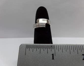 Vintage Sterling Silver Ring / FEM