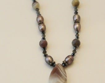 Agate and crystal beaded necklace - NK012
