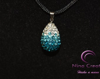 Blue crystals pendant