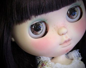 Realistic Eyechip Blythe doll - Yellow tones