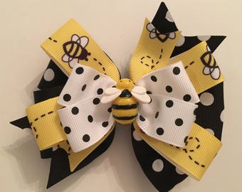 Bumble Bee Hair Bow Bumble Bee Bow Black and Yellow Bee Bow Yellow Polka Dot Bee Bow with Bumble Bee Center Balck Polka Dot Bow with Bees