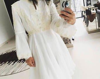 "Sweet 1970s ""Juliet"" dress"