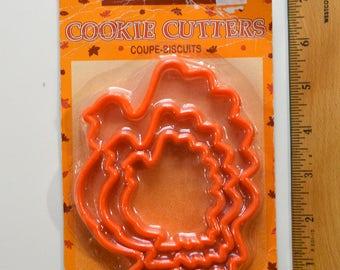 Vintage 3pc AMSCAN NESTING TURKEY Cookie Cutter Set | 1990s New in Package Orange Plastic