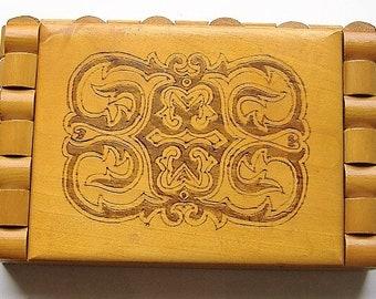 UNUSUAL WOODEN VINTAGE 1960S jewellery box