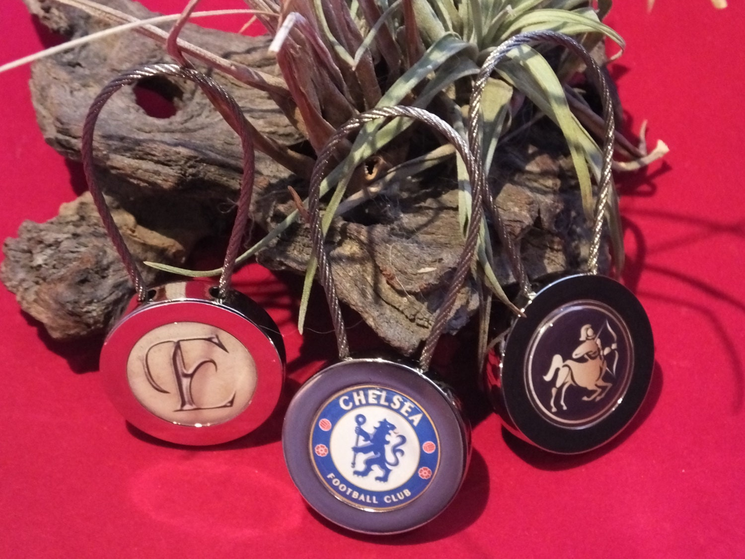 Polished Chrome Wire Lock Design Key Ring Round Insert Any Picture - Car signs logoscar logos can be signs because they tell you something about that