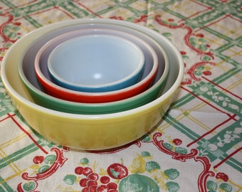 Pyrex Primary Colors Mixing Bowls