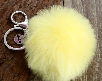 Pompom Keychain // Faux Fur Keychain // Pom Pom Keyring // Pom Pom Key Chain // Pom Pom Chain Holder // Furry Chain Holder // Pom Pom Fob
