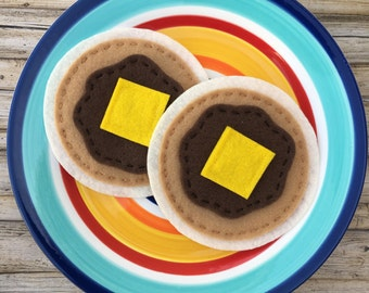 pretend play pancakes, felt food pancakes, play food, felt play food breakfast, dramatic play