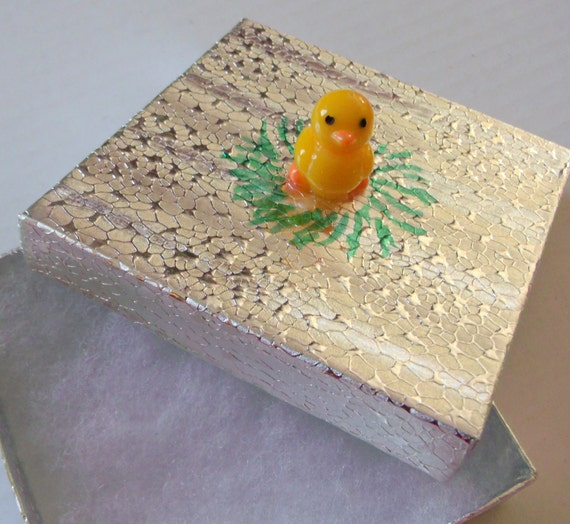 Duck boxes - whimsical gift box -  3 x 3 x 1  size - white and silver material - yellow acrylic ducks - gift packaging idea - Lizporiginals