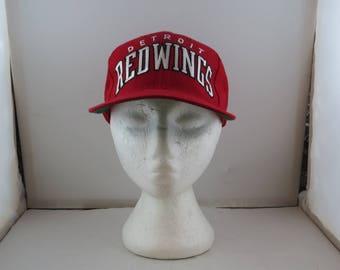 Detroit Red Wings Hat (VTG) - Wool Script Front by Starter - Adult Snapback