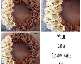 White daisy customizable wreath