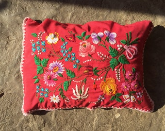 BEAUTIFUL Floral Kalocsa Cushion, Scater Pillow Cover Traditional Hungarian Flower Matyo Embroidery Stunning Work Vintage EYECATCHING