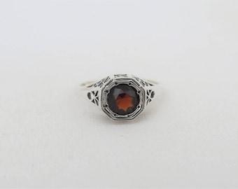 Vintage Sterling Silver Round cut Garnet Filigree Ring Size 6