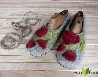 Slippers poppies womens wool house shoes - Handmade wool slippers - Felted wool shoes - felted slippers - Warm house slippers - felt shoes