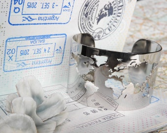 World map travel bracelet - silver colored - Wanderlust - travel gift - globetrotter - explore - adventure!