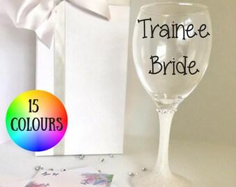 weddding gift for bride, bridal glasses, hen party gift, wedding toasting glasses, bridal glasses, glitter glasses, glitter wine glasses