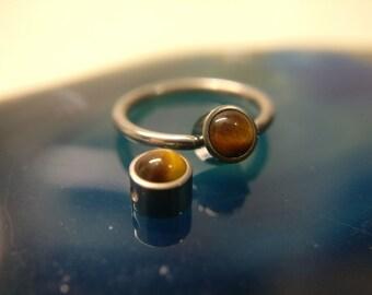 ON SALE - Black Onyx or Tigers Eye Disc Captive Ring
