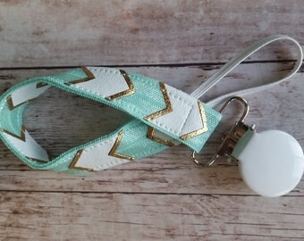 Paci / Binky / Nuk clip Mint and Gold Chevron