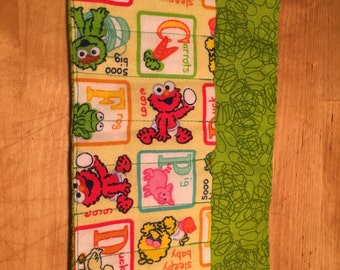 SESAME STREET Crayon Roll - includes crayons