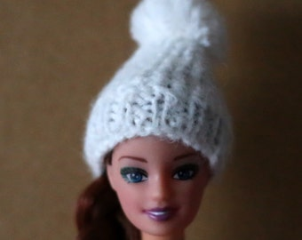 Accessories. Beanie hat for Barbie, white, handmade crochet wool.