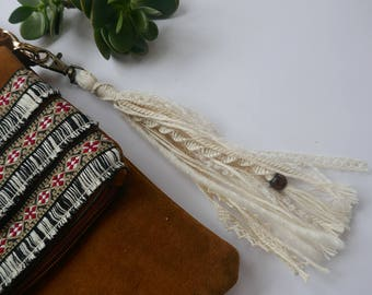 Key ring wool and lace