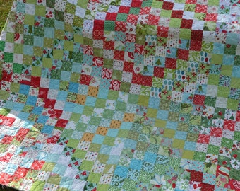 Christmas scrappy trip around the world quilt