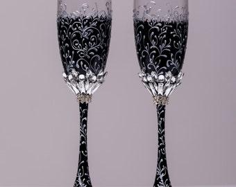 Wedding silver glasses Champagne flutes black and Silver wedding toasting glasses silver Flutes Silver wedding toasting flutes Set of 2