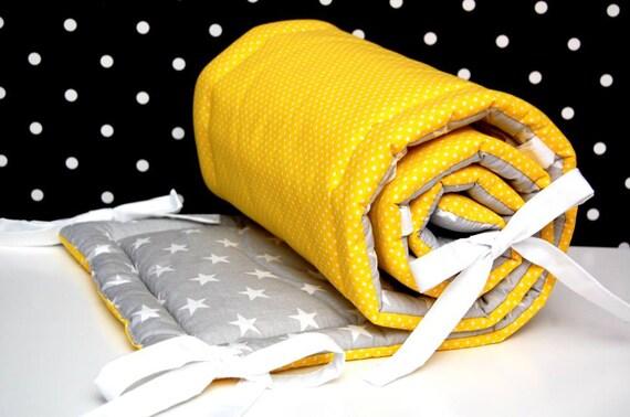 lit b b lit tour de lit toiles gris blanc jaune. Black Bedroom Furniture Sets. Home Design Ideas
